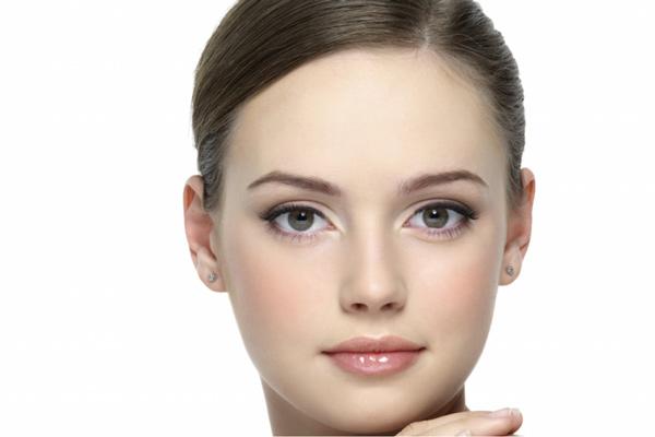 اثرات مثبت روغن شتر مرغ روی پوست